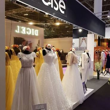 Braut- und Abendmode Boev in Offenburg, Fashion Fair, Schaufenster